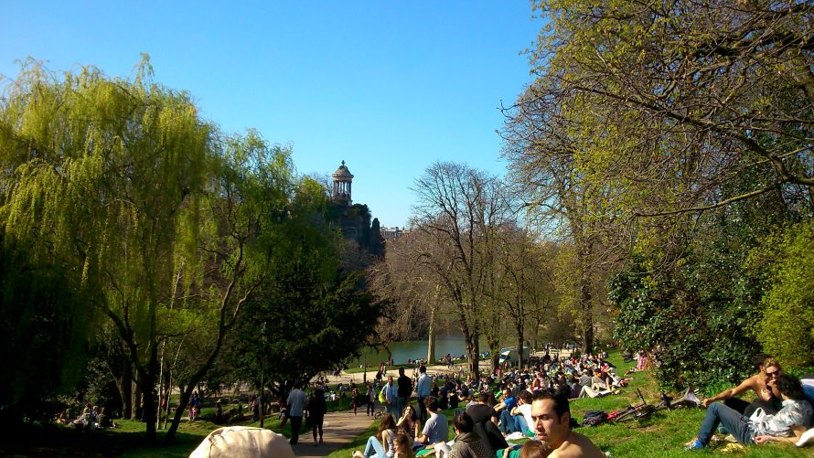 Parc des Buttes-Chaumont - the sky has not been edited
