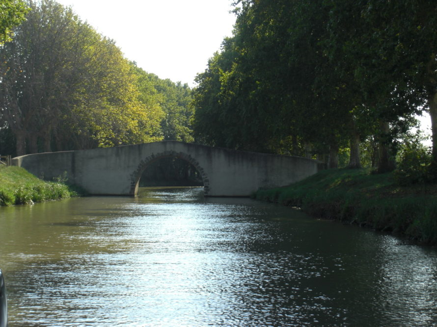 Narrow bridges on the canal