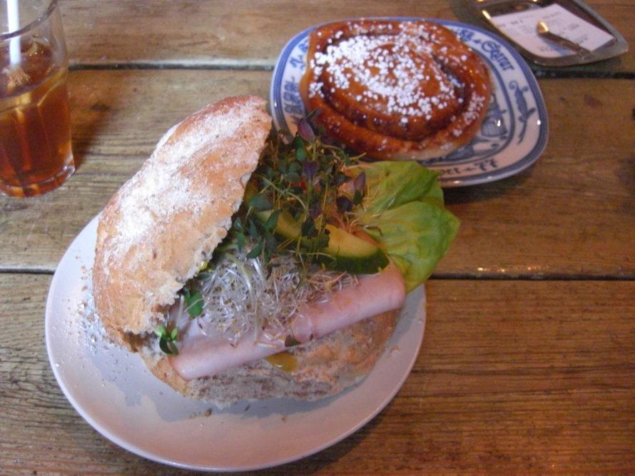 Amazing sandwich and kanelbulle