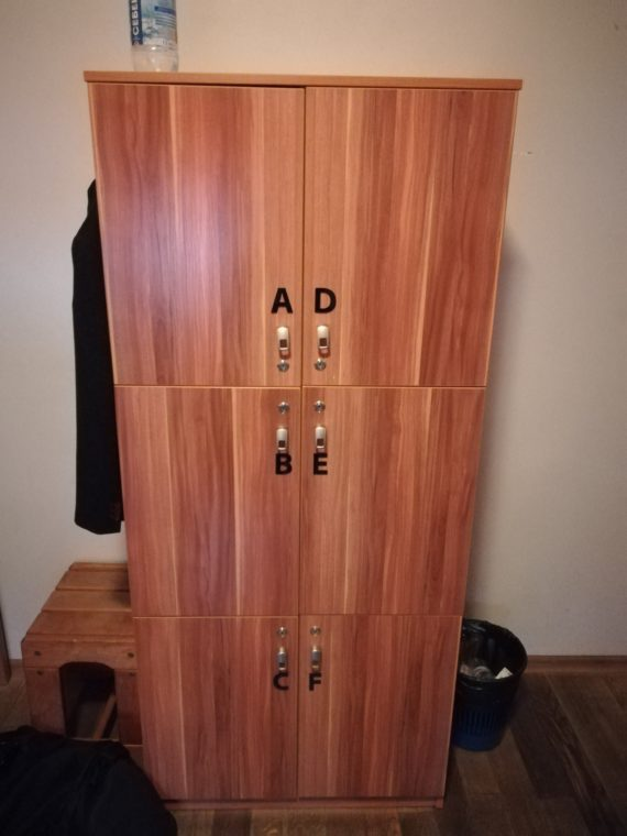 Very good sized lockers to store your valuables if needed